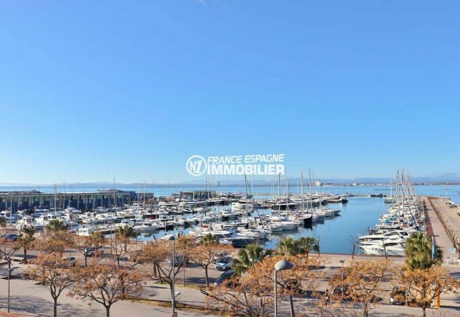 agence immobiliere costa brava: plage 100 m, mer et port de plaisance en 1ère ligne depuis la terrasse