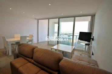 agence immobilière costa brava: appartement 112 m², salon / séjour accès terrasse véranda