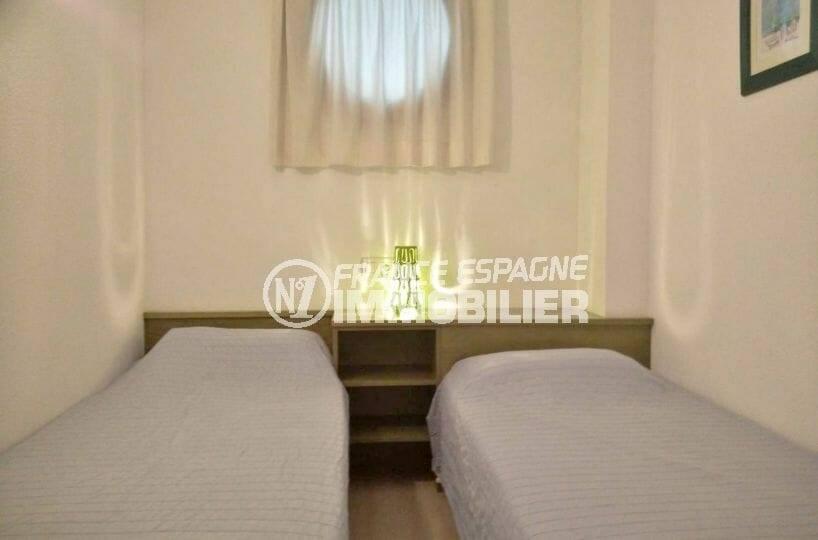 appartement ref.3860, deuxième chambre avec 2 lits simples