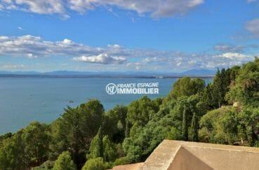 maison a vendre a rosas, plage 600 m, vue mer dégagée depuis la terrasse solarium