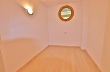 achat appartement rosas espagne, 67 m² résidence avec piscine, 2° chambre avec applique murale