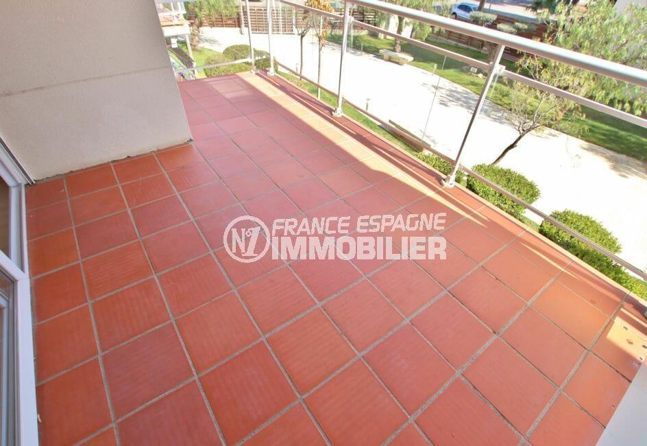 vente immobilier rosas espagne: appartement 67 m² résidence avec piscine, terrasse de 10 m²