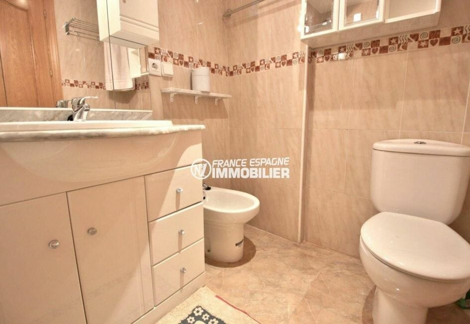 appartements a vendre a rosas, ref.3861, salle de bain avec vasque , wc et bidet