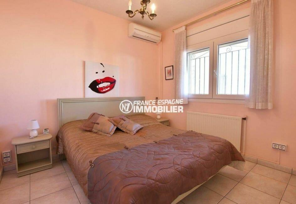 immobilier espagne costa brava: seconde chambre avec lit double, penderie intégrée et clim | ref.3854