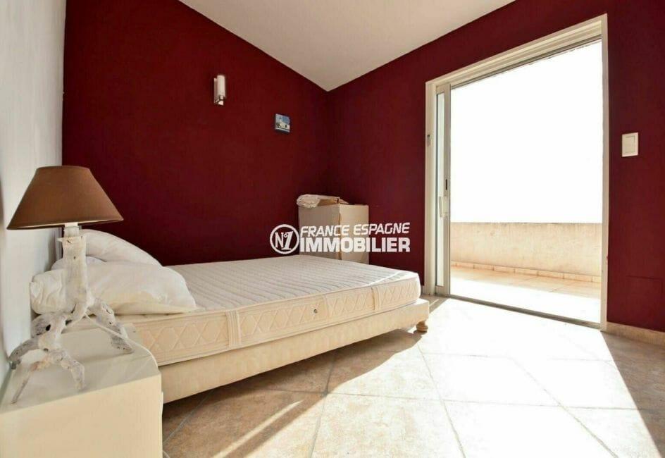 maison a vendre espagne rosas, piscine, chambre 1 avec lit double et terrasse solarium