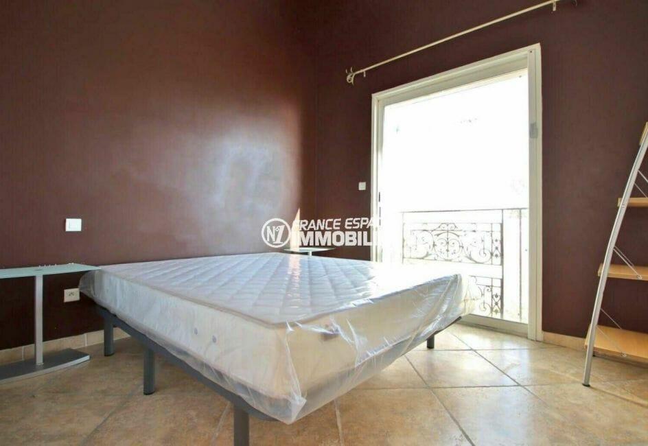 achat rosas: villa 285 m², deuxième chambre avec lit double