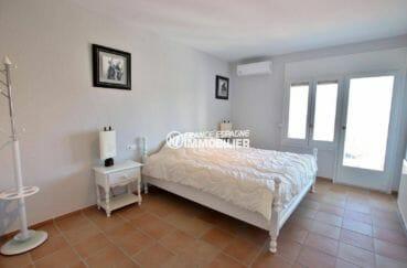 maison a vendre espagne rosas, proche plage, chambre 1 avec lit double accès terrasse