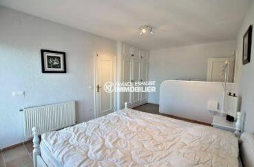 la costa brava: villa 414 m², chambre 1 avec salle de bain + autre chambre communicante