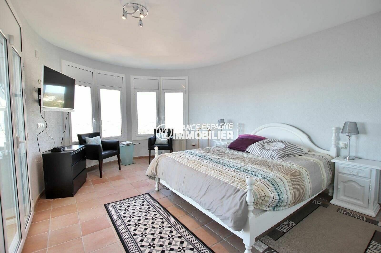 achat rosas espagne: villa 414 m², troisième chambre lumineuse avec lit double