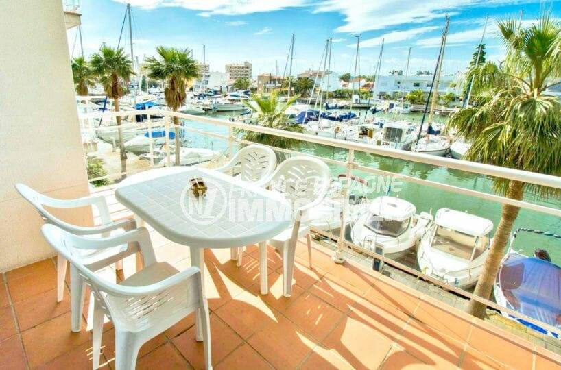 appartement ref.3860, belle vue sur la marina,proche plage, possibilité parking