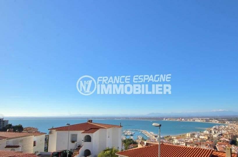 belle villa avec terrases, magnifique vue sur la baie