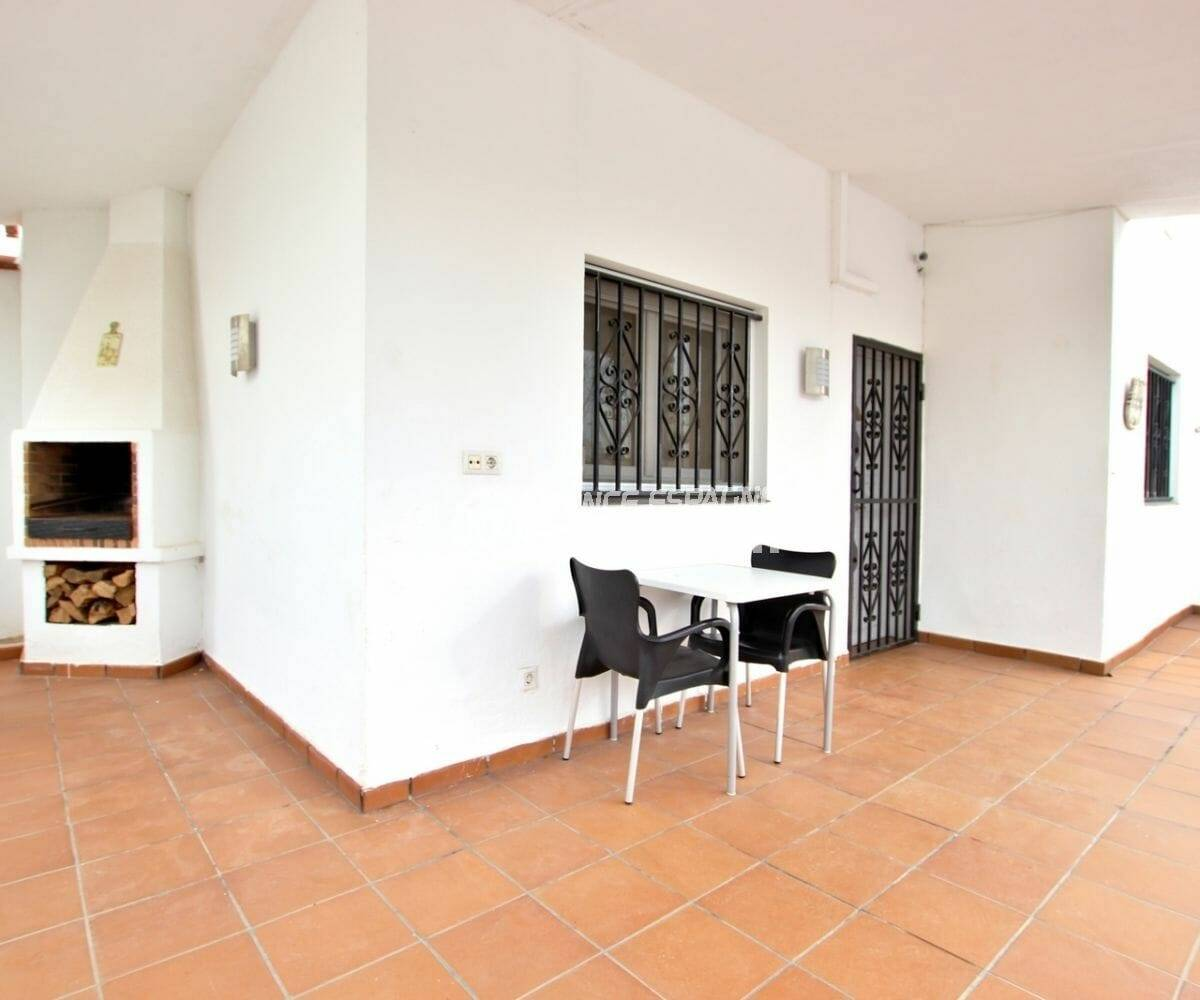 maison a vendre empuria brava, grande terrasse couverte avec barbecue | ref.3879