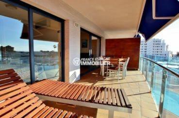 appartement a vendre a rosas, ref.3868, terrasse avec coin détente et repas accès salon