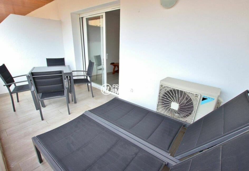 aperçu salle à manger d'été sur la terrasse 9 m²