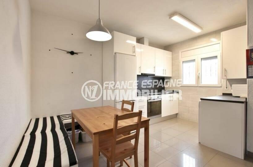 maison à vendre empuriabrava, ref.3879, coin repas et cusine ouverte  équipée