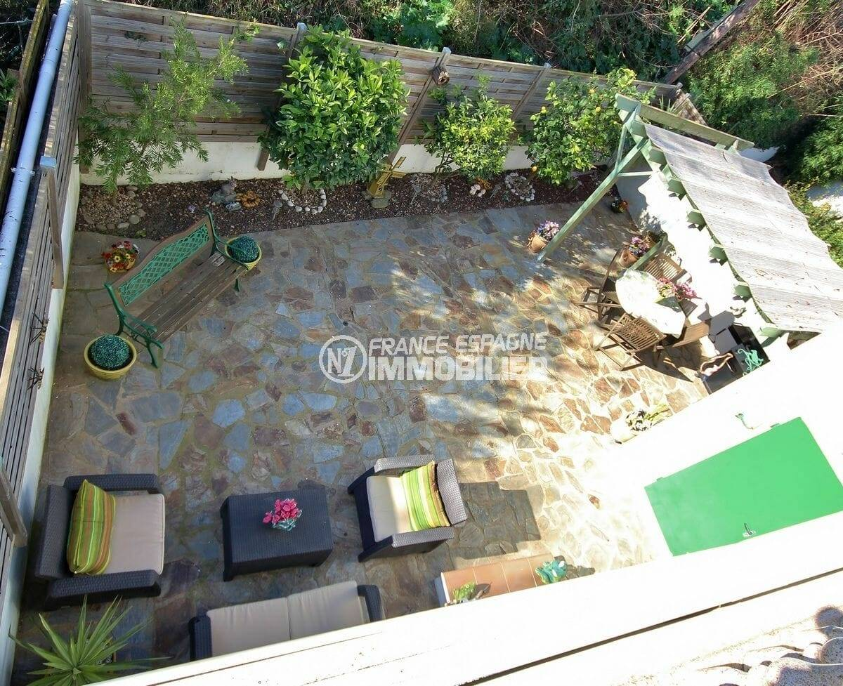 immobilier espagne costa brava: vue plongeante sur le jardin de la villa ref.3883