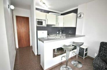 agence empuriabrava: appartement ref.3856, cuisine américaine avec multiples rangements