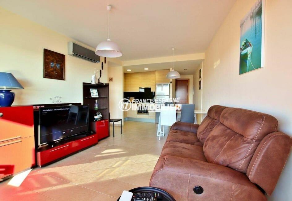 immobilier roses espagne: appartement ref.3868, salon / séjour avec cuisine ouverte