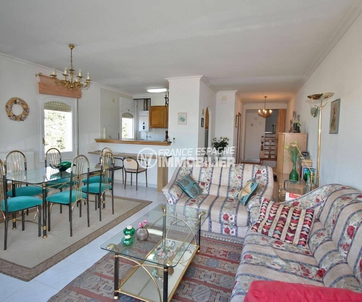 séjour / salle à manger  avec cuisine américaine | villa ref.3871