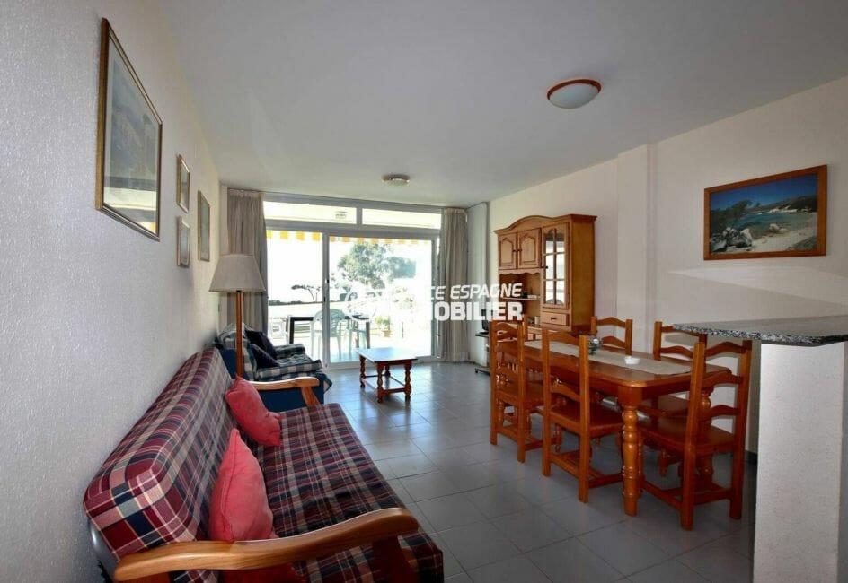 immobilier espagne costa brava: appartement avec grand séjour/ salle à manger