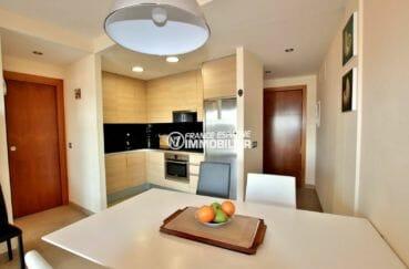 agence immobiliere costa brava: ref.3868, cuisine ouverte équipée avec coin repas