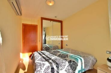 agence immobilière costa brava: appartement ref.3867, lit double et grande penderie intégrée