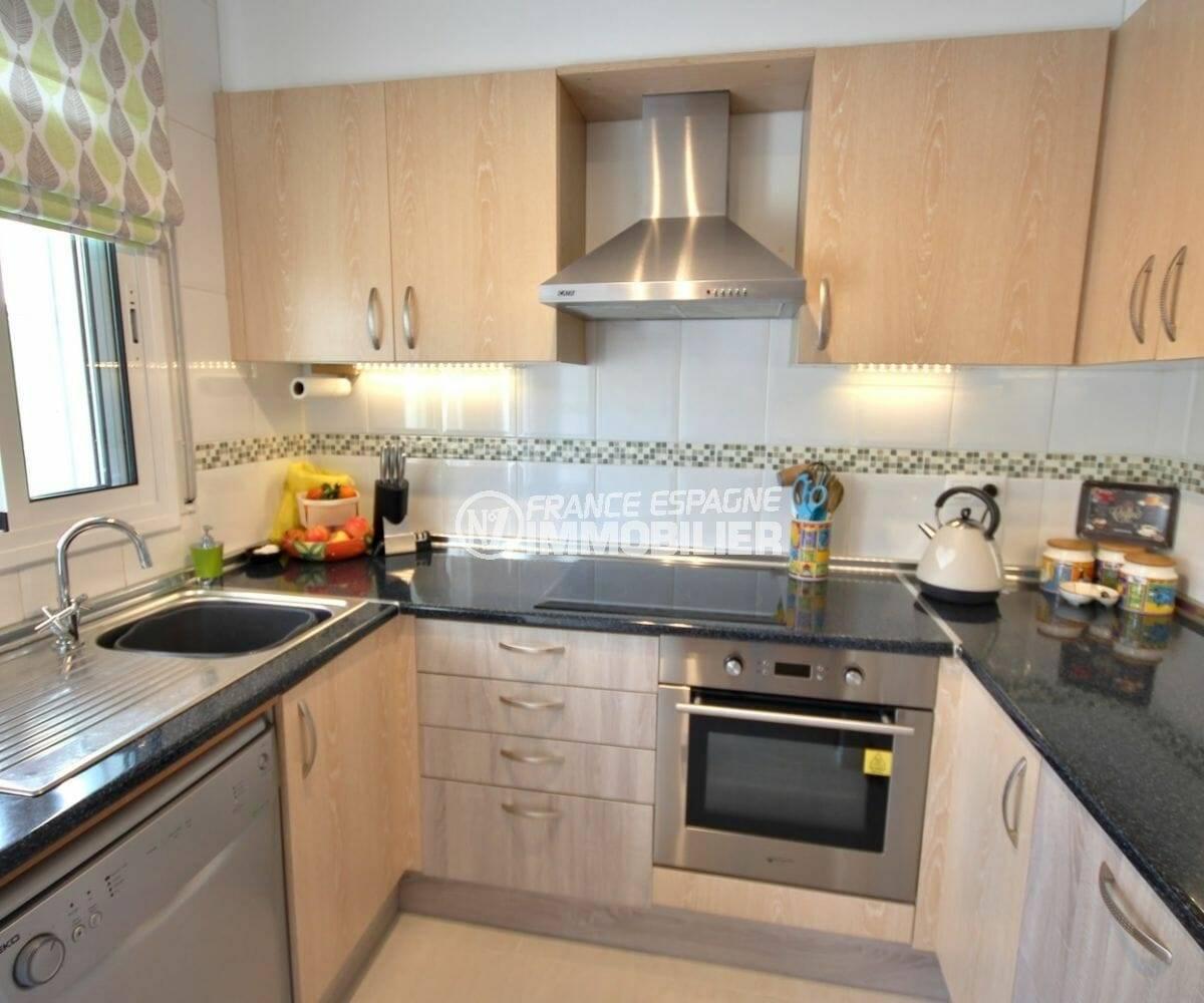maison à vendre empuriabrava, 137 m², avec cuisine indépendante équipée