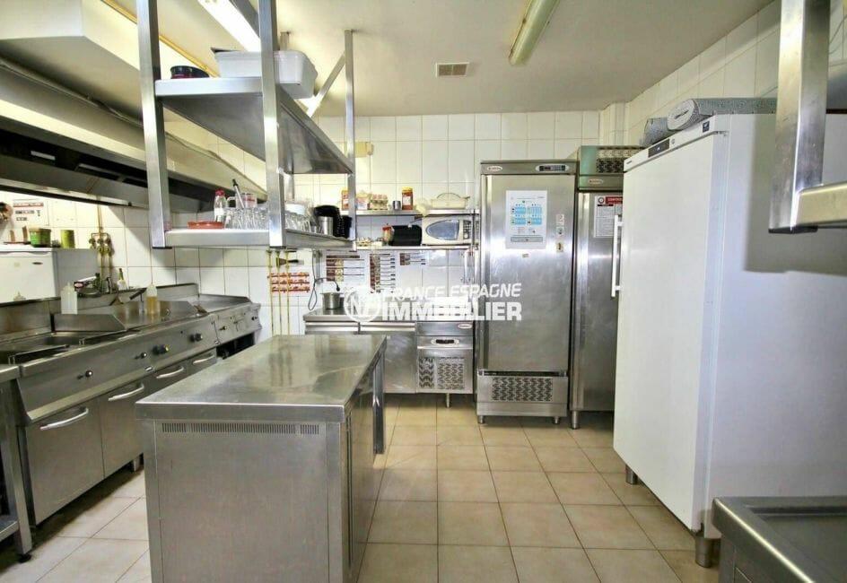 immobilier a empuriabrava: bar restaurant entièrement rénové, aux normes