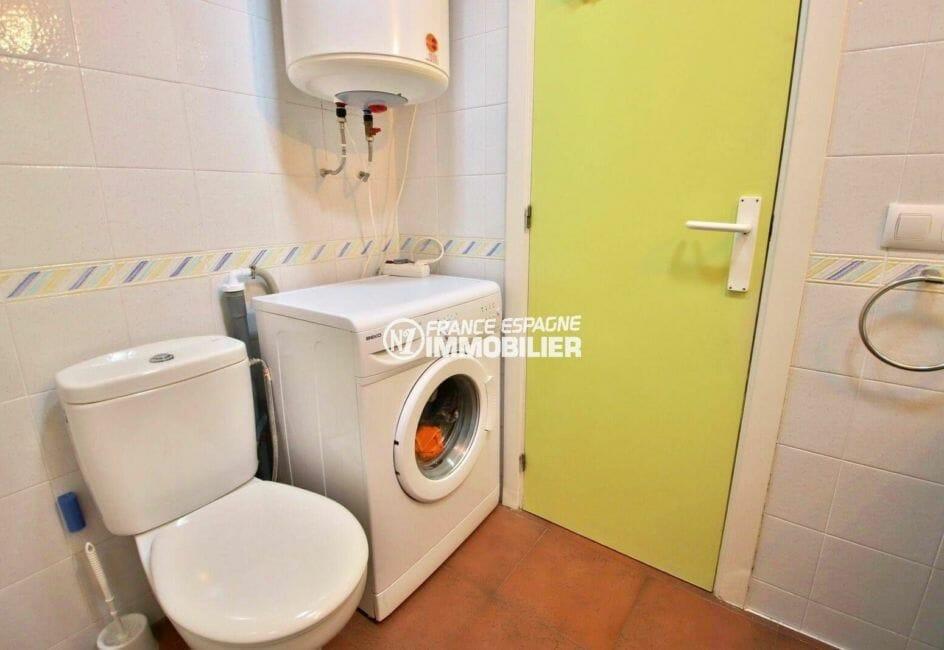 appartement ref.3873, salle de bains avec toilettes | agence immobiliere roses