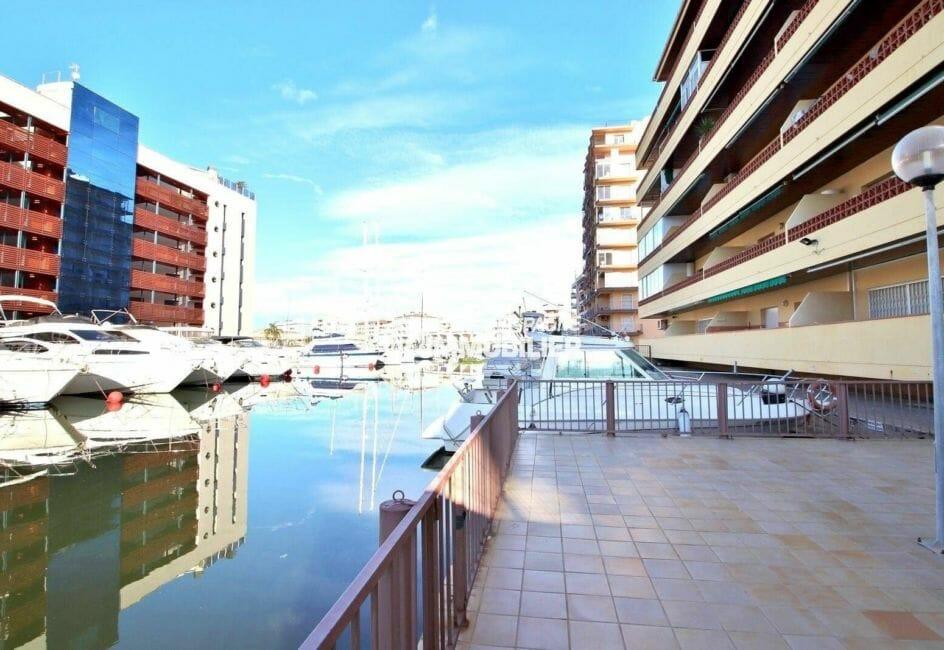 accès au canal depuis la résidence du studio ref.3874