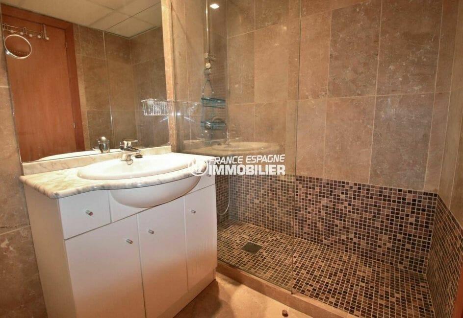 salle d'eau standing avec douche italienne, appartement ref.3869