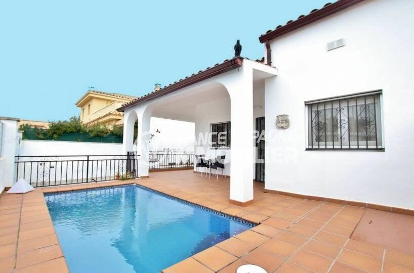 maison à vendre à empuriabrava, avec piscine et terrasse couverte | ref.3879