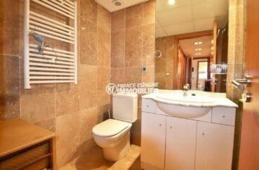 appartement ref.3869, salle d'eau standing avec toilettes