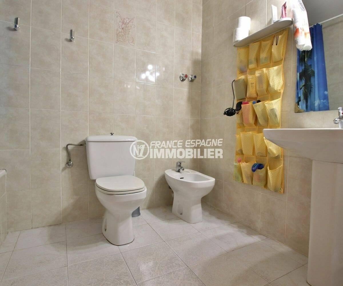 maison a vendre espagne costa brava, ref.3878, salle de bains avec wc et bidet