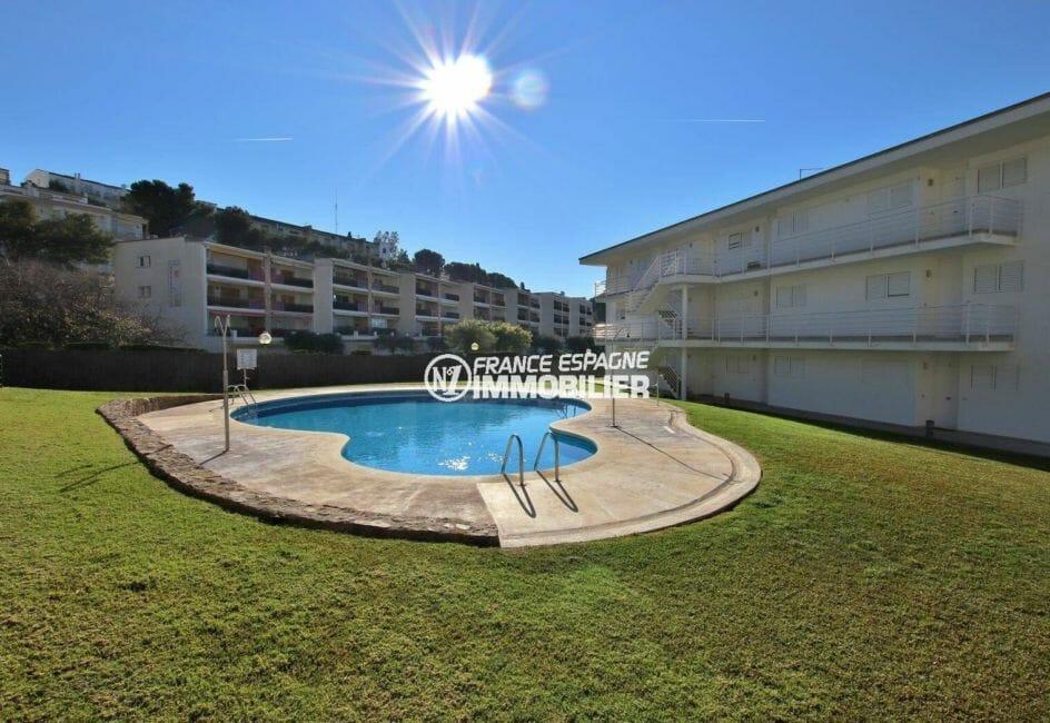roses espagne: appartement ref.3882 avec piscine dans la résidence