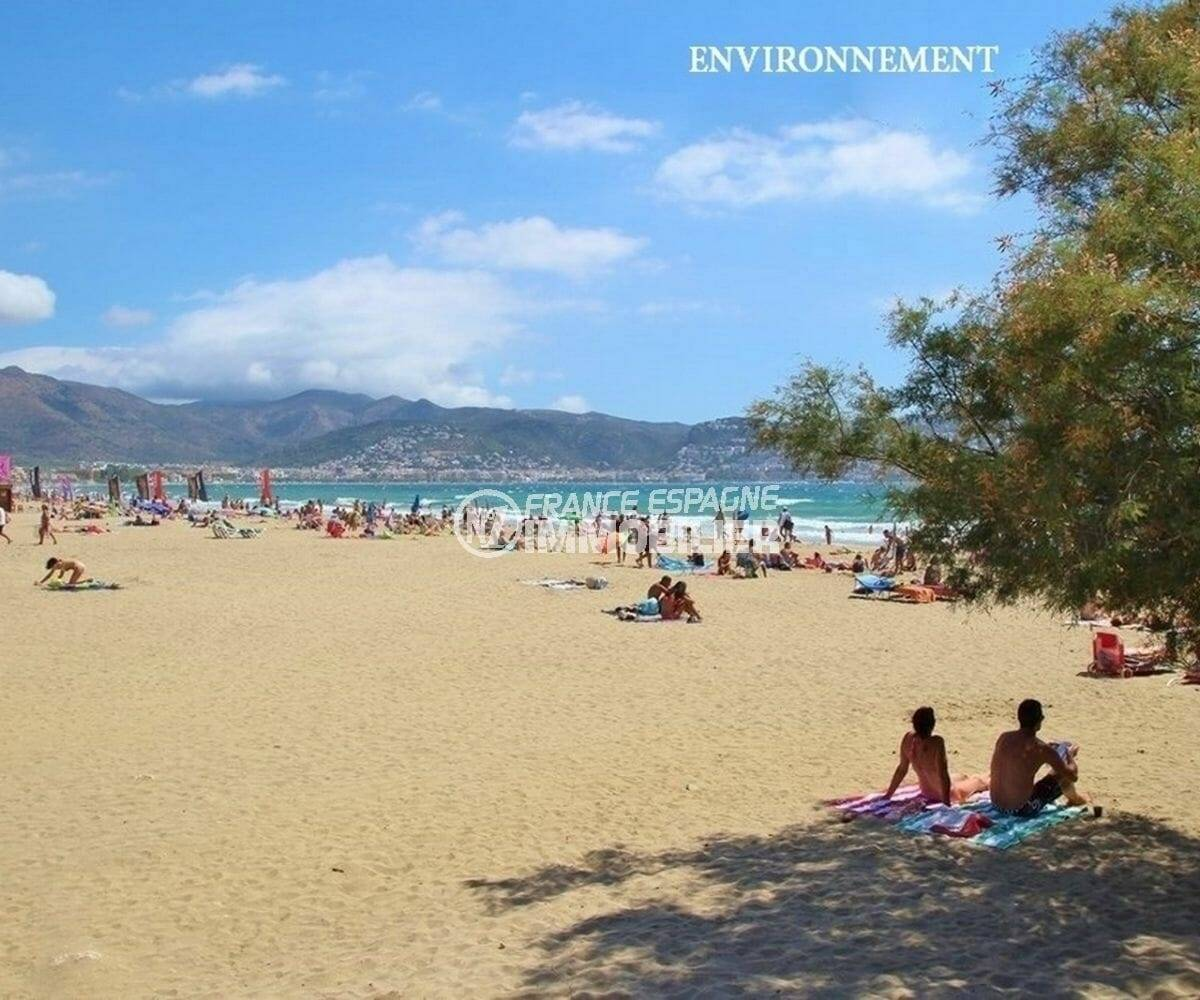la grande plage d'empuriabrava aux environs