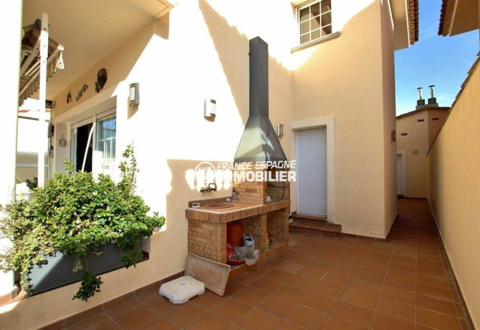 achat maison costa brava, ref.3875, avec barbecue sur la terrasse