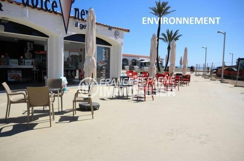restaurants & commerces aux abords de la plage