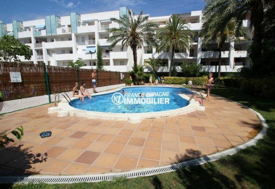 appartement ref.3873, dans résidence avec piscine