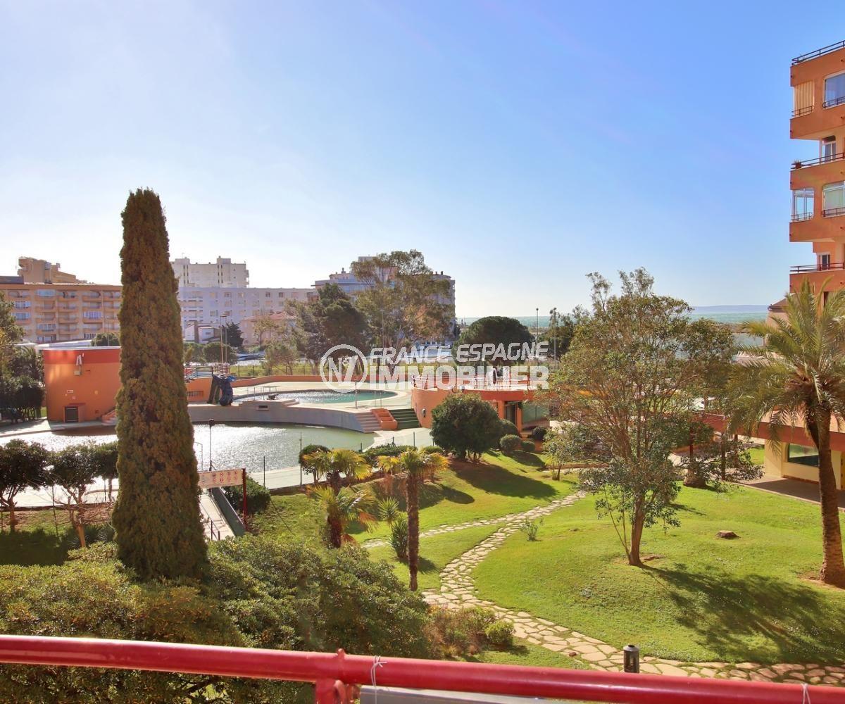 appartements a vendre a rosas: 59 m², dans résidence avec piscine, tennis, parking proche plage