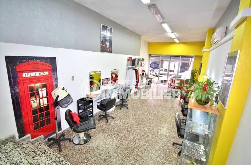 immo roses: commerce local de coiffure 100 m² proche plage, tout équipé