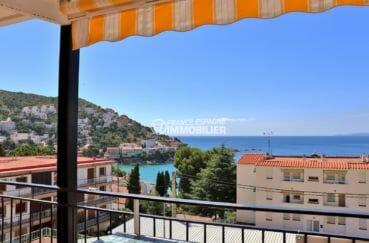 roses espagne: appartement secteur prisé, terrasse avec vue sur la mer