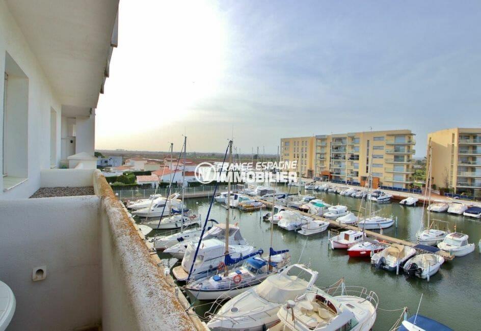 roses espagne: appartement 50 m², belle vue sur la marina depuis la terrasse