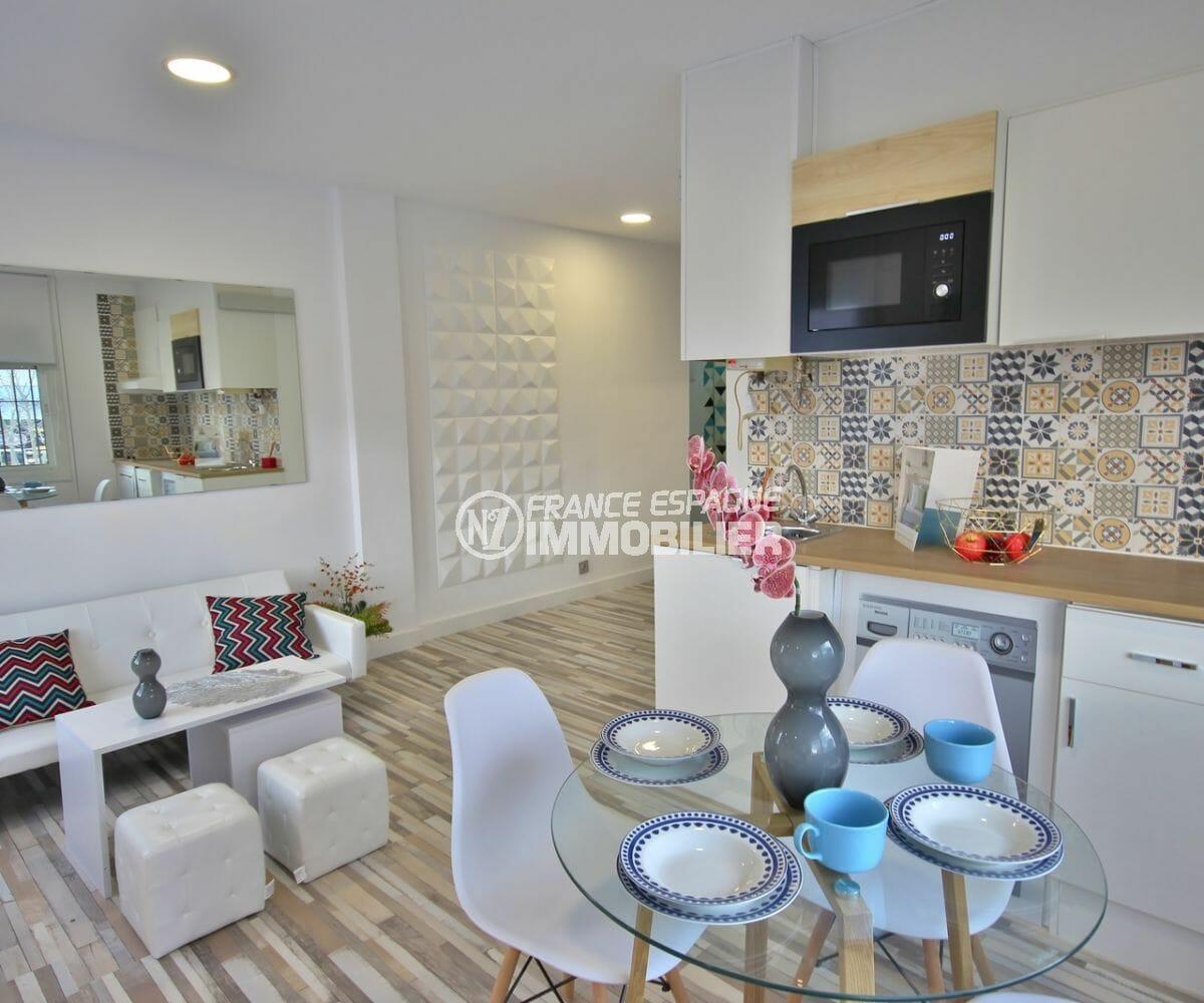 immobilier empuria brava: appartement 36 m² rénové, proche plage et commerces