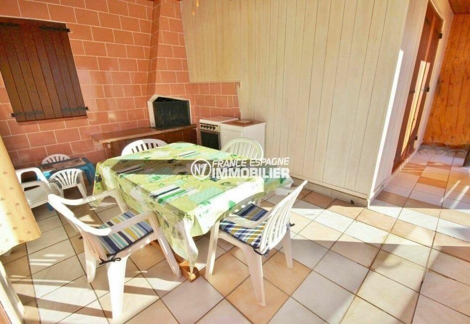 immobilier empuria brava: villa 80 m², terrasse avec cuisine extérieure et bbq