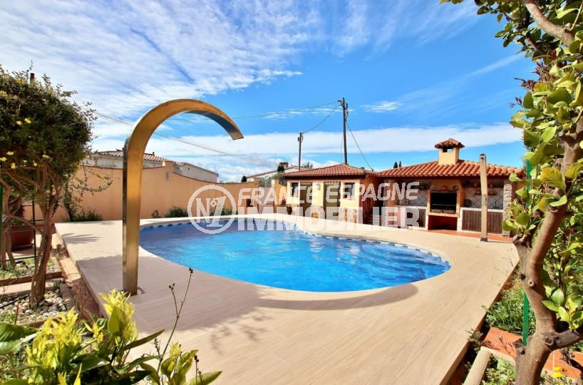 agence immobilière costa brava: villa 358 m² construit sur un terrain de 600 m²