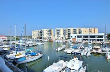 vente appartement rosas, 50 m², résidnce avec piscine, possibilité parking et amarre