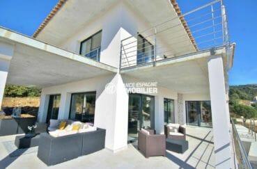 agence immobilière costa brava: villa 250 m² habitables, construction nouvelle sur terrain 1342 m²