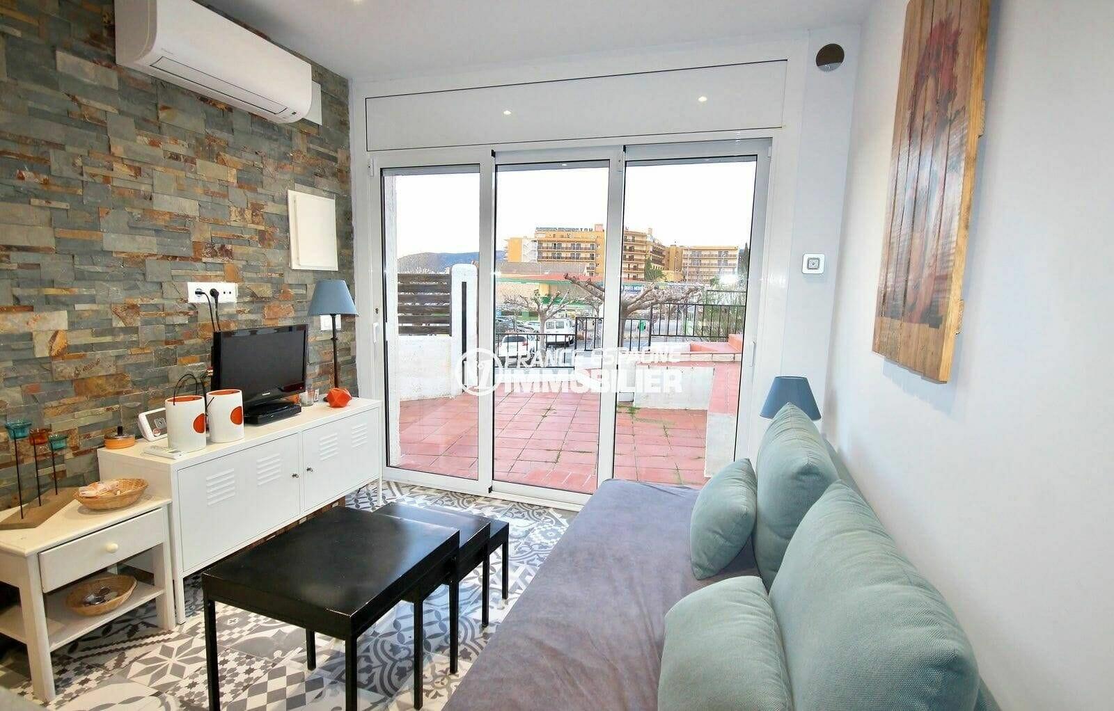maison a vendre a rosas, villa rénovée avec salon / séjour moderne