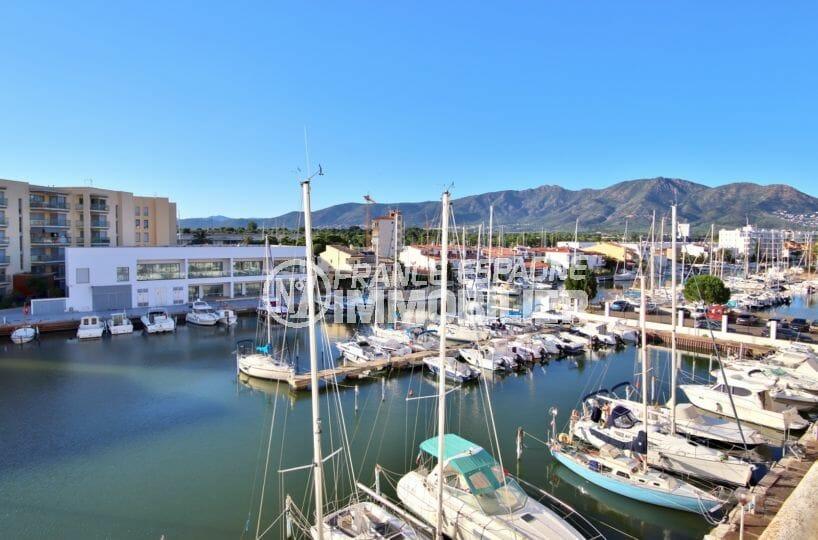 appartement a vendre costa brava, chambre & séjour 50 m², magnifique vue sur la marina